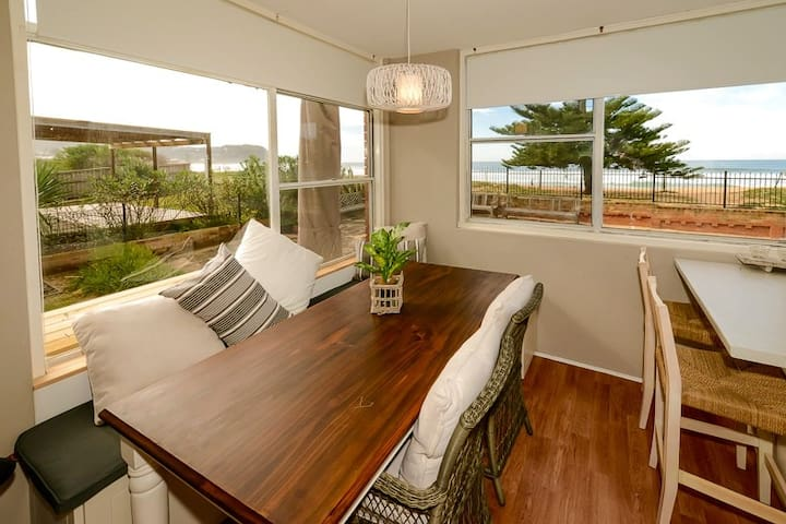 Avoca Beach Beachfront Unit - Avoca Beach - Apartment
