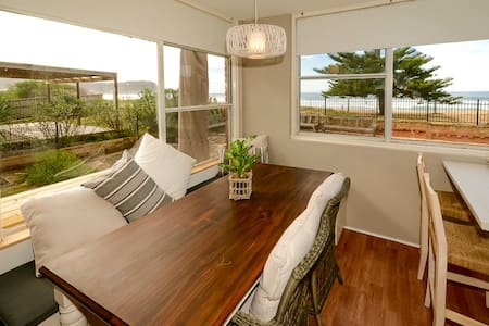 Avoca Beach Beachfront Unit - Avoca Beach