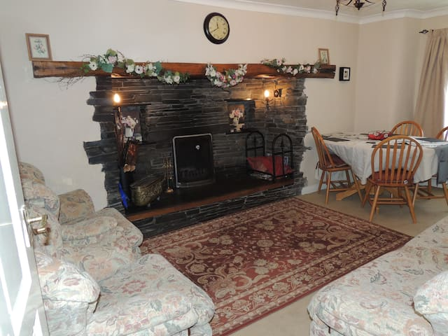 White Rose Cottage,UK Lake District, Nr Ulverston