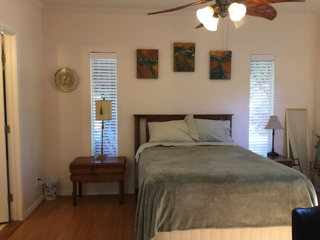 Private Secluded Room near Sedona and Vineyards