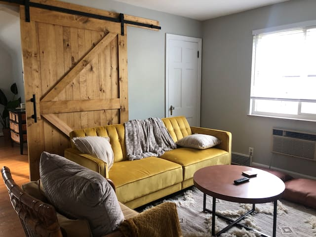❤️Rare Find | Cozy Room | Close to Downtown!