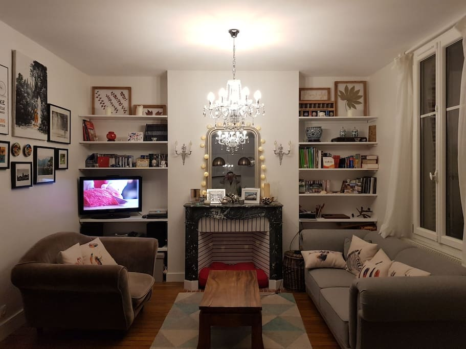 Cosy living room (night)