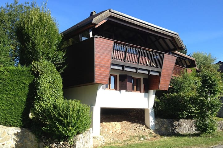 Chalet with magnificent lake view - Thollon-les-Mémises - Chatka w górach