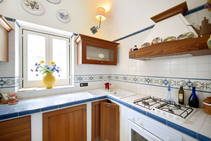 Charming apartment in Anacapri's epicenter! - Anacapri - Apartment