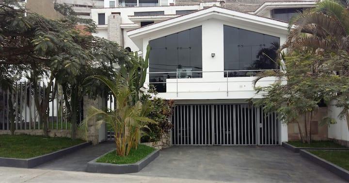 Habitación con entrada independiente 3