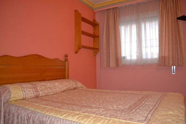room in Marina Botafoc with swimming pool - Eivissa - Leilighet