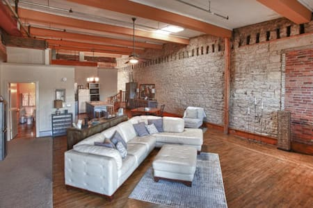 Lift Bridge Loft - Stillwater, MN - Loftlakás