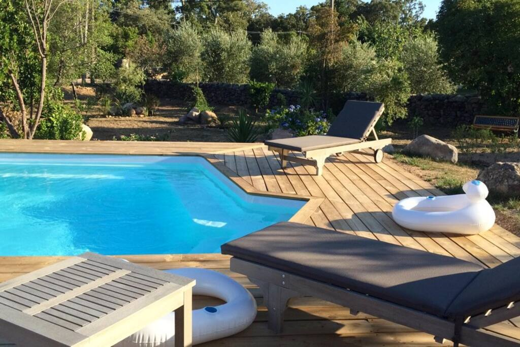 Jolie villa avec piscine en corse villas louer lecci for Villa a louer en corse avec piscine