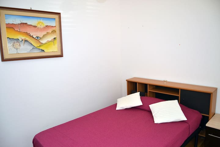 Camera letto. MINIMO UNA SETTIMANA - Capaci - Villa
