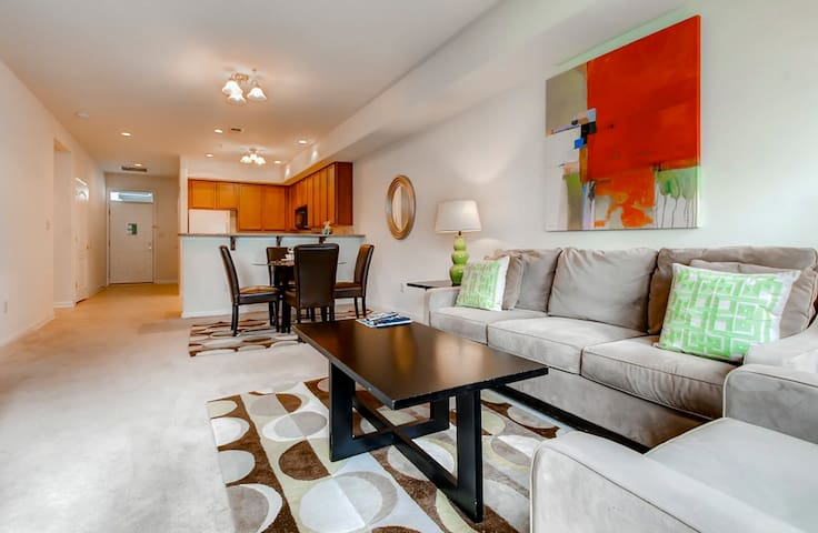 Modern Furnished 2Bedroom Princeton Apt - Princeton - Pis