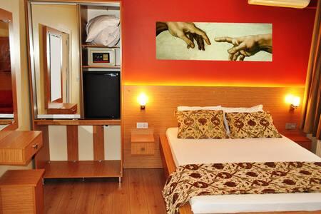 Antique Hostel, Double Room ensuite - Istanbul