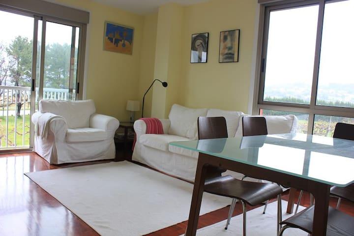 Amplio piso frente a la playa - Miño - Apartment