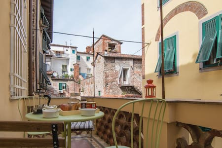 Lucca center with WI-FI and terrace