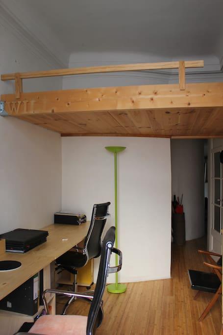 lit pour 2 personnes en mezzanine