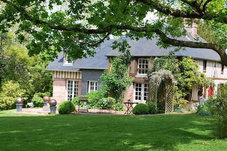 Authentic cottage, 20mn Deauville  - Hus