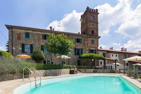 2 bedroom apartment in farmhouse & pool -Palazzo K