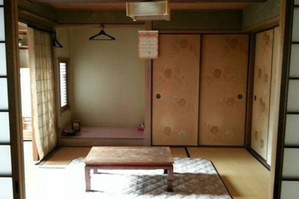 お布団のお部屋はこちらです。