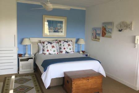 Room no1 Queen bed