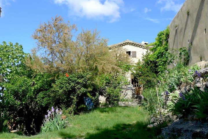 maison avec terrasses et jardin - Mirabel-et-Blacons - Hus
