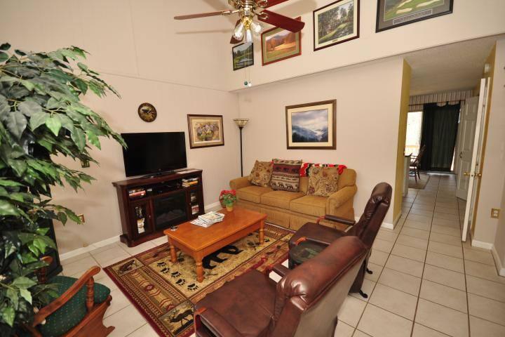 Fairway Villa #204- Rumbling Bald Resort - Lake Lure - Villa