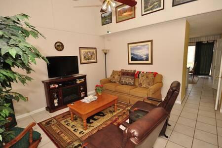 Fairway Villa #204- Rumbling Bald Resort - Lake Lure - วิลล่า