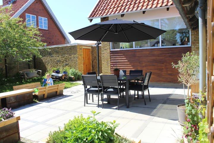 Hyggelig villa tæt på by og natur - Odense - Casa
