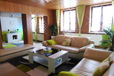 100qm  Ferienwohnung in Rinteln - Rinteln - Lägenhet