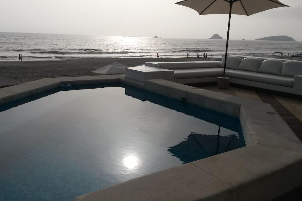 Beachside private pool