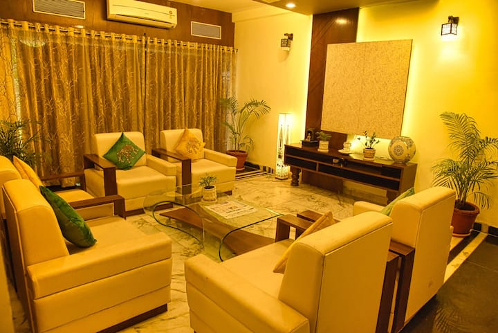 ROYAL PALMS | SUITE-7 |  DELUX ROOM STAY | 3-STAR