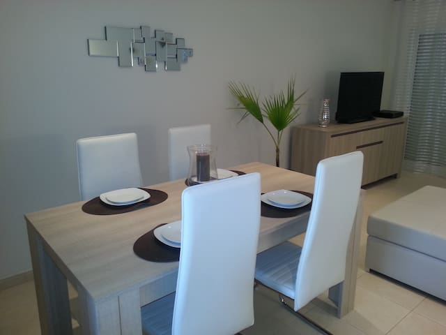 Apartment Sleeps 2 - Alcantarilha - Pis