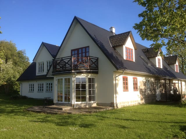 Cozy Farm house in the nature - Mårslet - Apartment