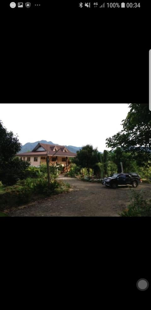 Mangosteen Mountain View homestay