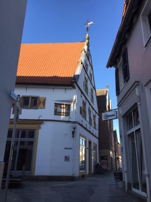 Seitlicher Blick von der Rosenstraße her