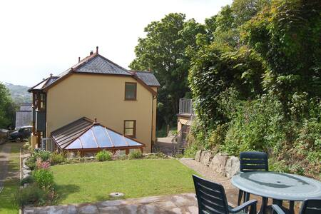Spacious Modern Home - Double Room - Helston