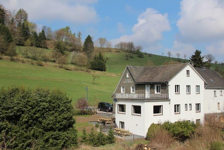 Wunderschöne Villa für 22 Personen  ski/rad/wander - Willingen (Upland) - Villa