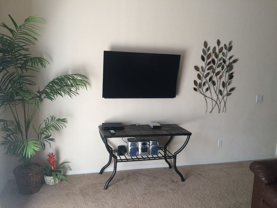 LED TV's With digital cable in living room and all bedrooms