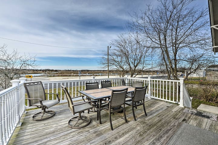 NEW! Walkable Bayfront Retreat w/ Deck Views
