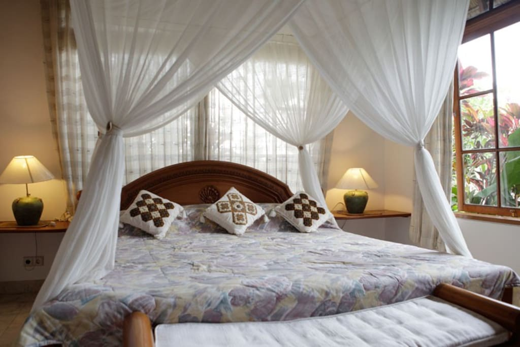 Villa Frangipani Master Bedroom