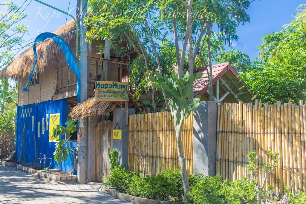 Welcome to Kupu Kupu Cottages on the tropical island of Gili Trawangan.