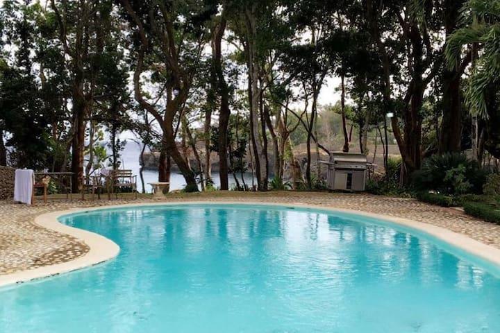 Hermosa villa proximo Playa Caleton. Rio San Juan.