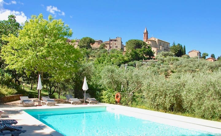 Casa Paciano, apartment on ground floor with pool