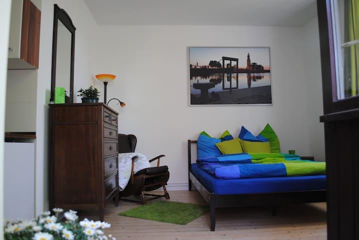 Helles Appartement mit Balkon! - Bremerhaven - Apartemen