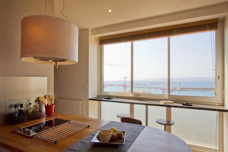 Lovely central flat with sea view