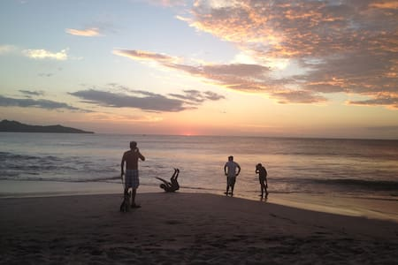 Equipped villa in resort, very quiet and safe, bahia view, wet bar, 2 pools, monkey bar, restaurant, this in a most beautiful beaches in Guanacaste Costa Rica, this place has a private beach too, tenis court, ect.