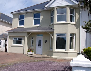 Agapanthus, 5 bed home, newquay