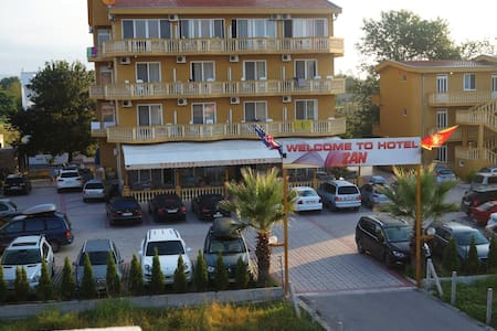 Twin Room with Balcony Hotel Zan - Ulcinj