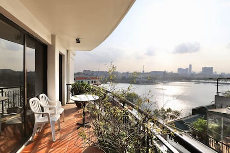 Best View Truc Bach Lake/2BED APT/Near Old Quarter