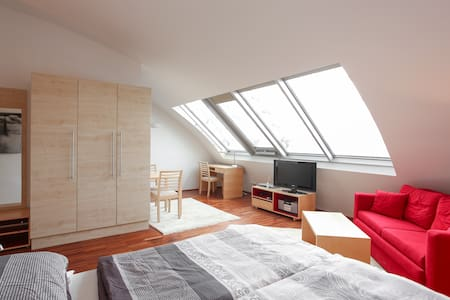 AIR-CONDITIONED Penthouse in Center - Wien - Flat
