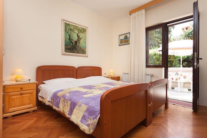 Comfy apartment Nono Attilio - Umag - Departamento