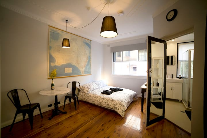 """Le Studio"" at Potts Point - Potts Point - Apartamento"